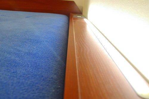 SimpleFly oświetlenie wbudowane w łóżko
