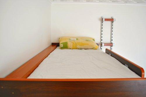 łóżko na antresoli SimpleFly - łózko lewitujące młodzieżowe