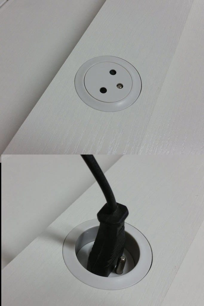 Wyposażenie łóżka na antresoli SimpleFly gniazdo elektryczne